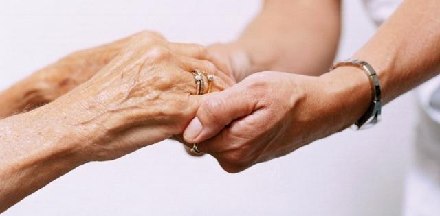 Cuidador-de-idosos-9